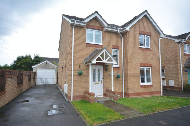 4 Bedrooms Detached House for sale in Cae Gwyllt, Bridgend