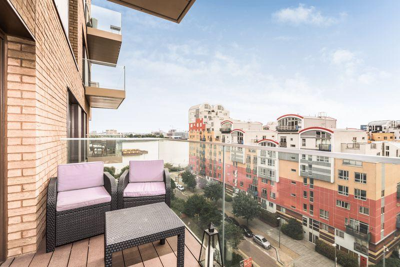 2 Bedrooms Apartment Flat for sale in John Harrison Way, Greenwich, SE10