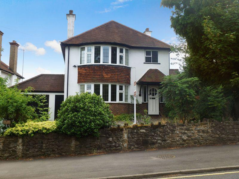 3 Bedrooms Detached House for sale in West Hill, Epsom