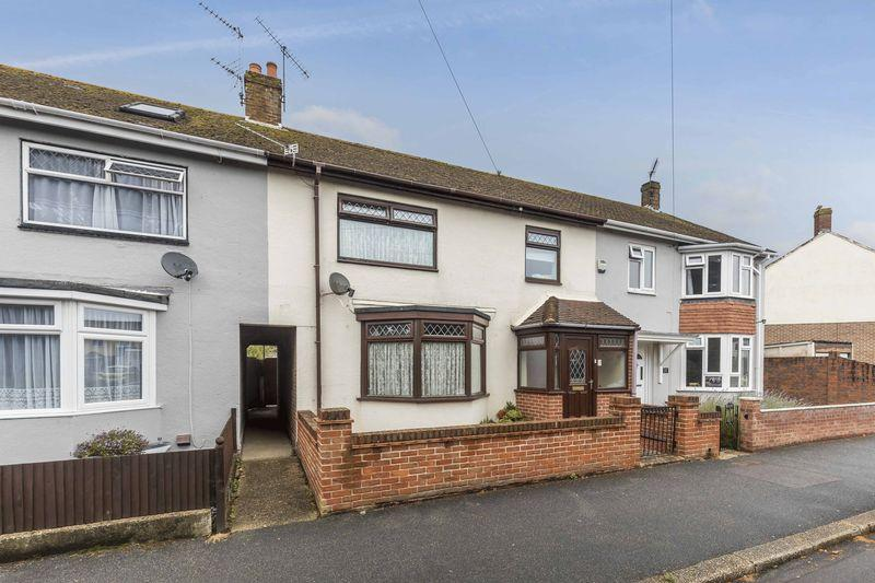 3 Bedrooms Terraced House for sale in Braemar Avenue, Portsmouth