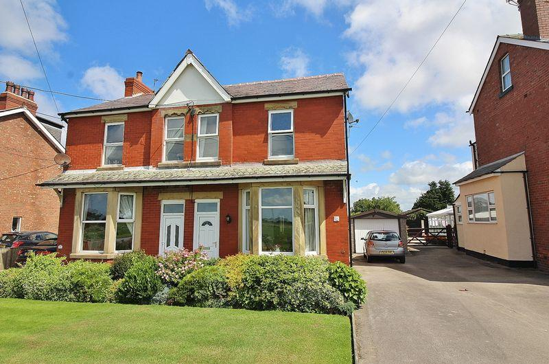 3 Bedrooms Semi Detached House for sale in Carr Moss Lane, Halsall