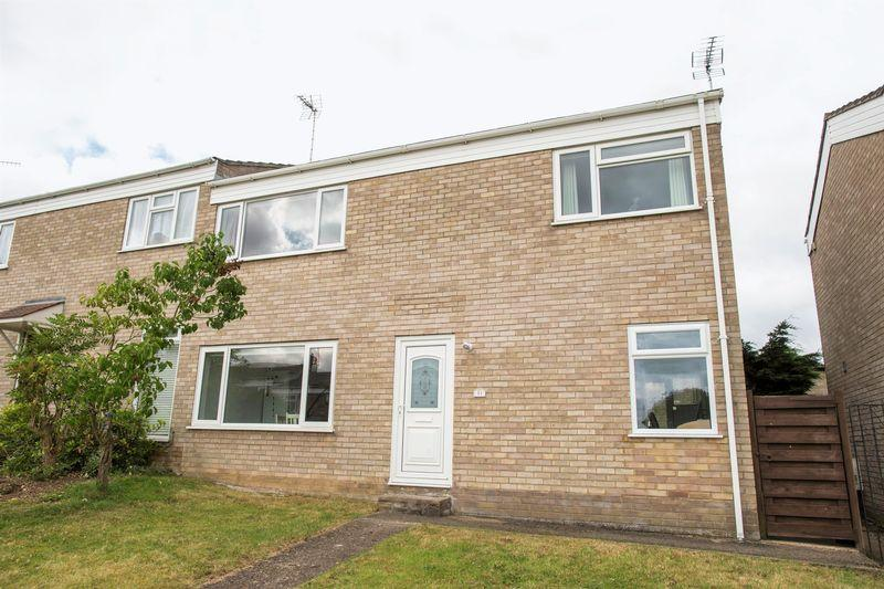 3 Bedrooms Semi Detached House for sale in Malvern Road, Bury St. Edmunds