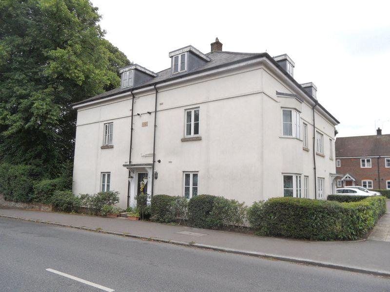2 Bedrooms Flat for sale in STOKENCHURCH - two bedroom first floor apartment