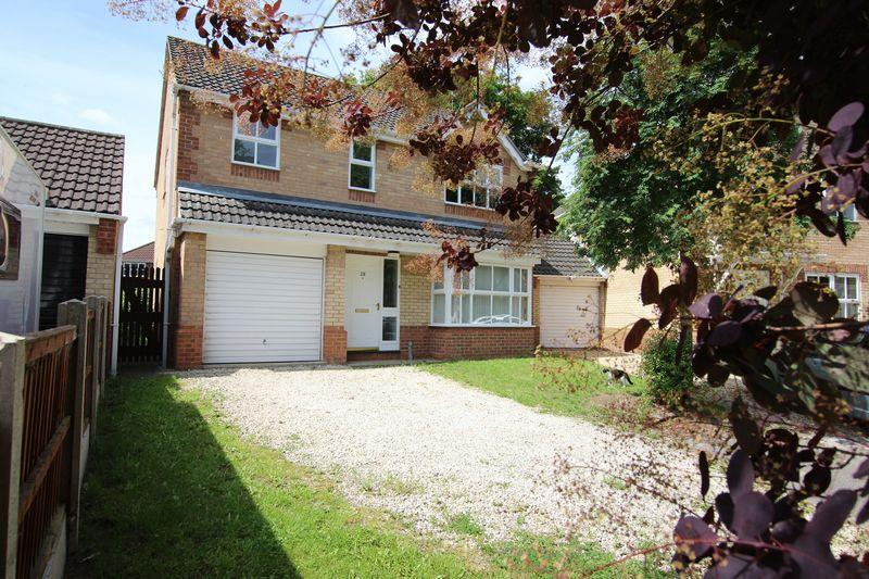 4 Bedrooms Detached House for sale in 28 Sycamore Crescent, Lincoln