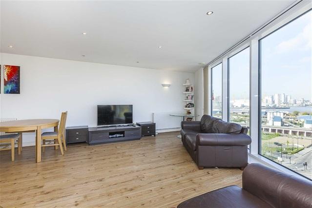 2 Bedrooms Flat for sale in Alaska Apartments, 22 Western Gateway, Docklands/Excel