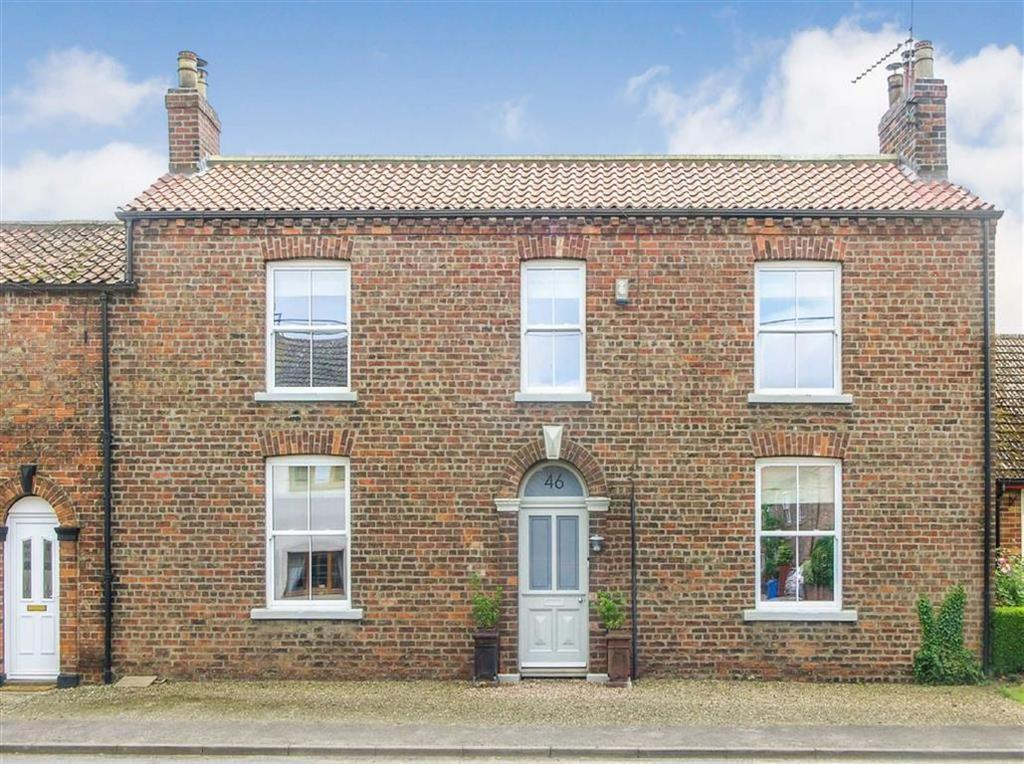 5 Bedrooms Semi Detached House for sale in Main Street, North Frodingham, East Yorkshire