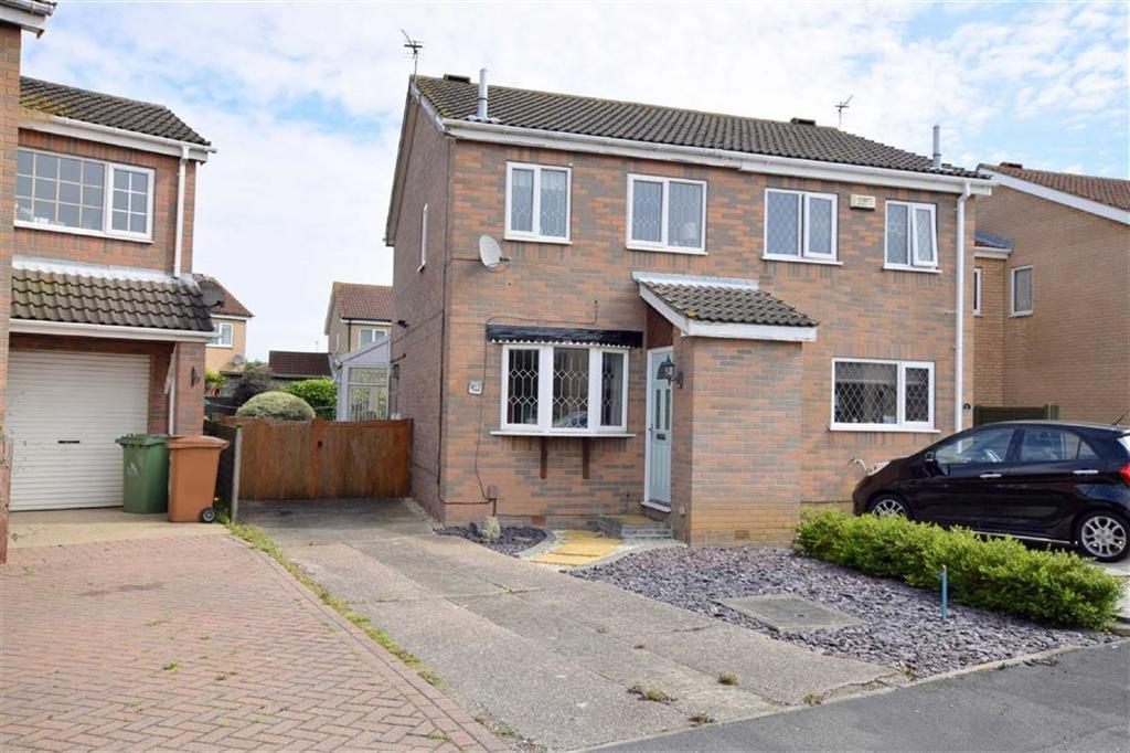 2 Bedrooms Semi Detached House for sale in Eskham Close, Cleethorpes, North East Lincolnshire