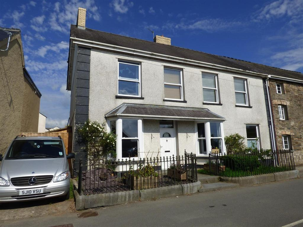 5 Bedrooms Semi Detached House for sale in Station Road, St. Clears, Carmarthen