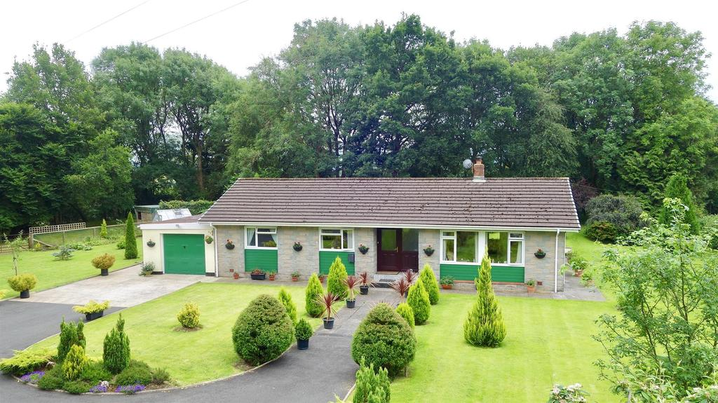 3 Bedrooms Bungalow for sale in Myddfai, Llandovery