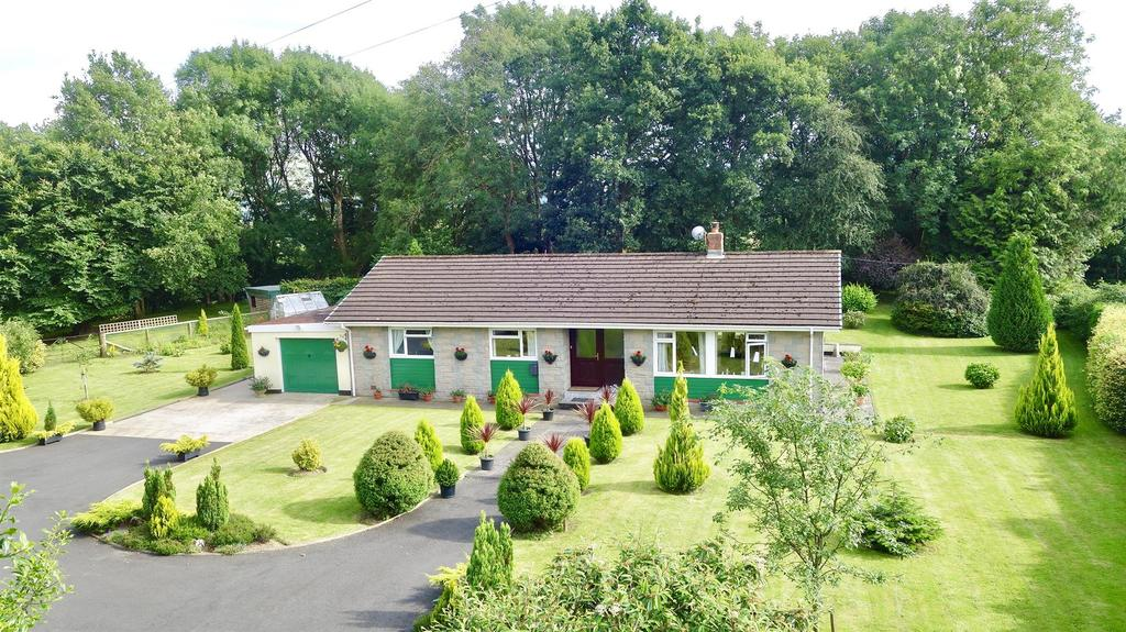 3 Bedrooms Bungalow for sale in Myddfai, Llandovery