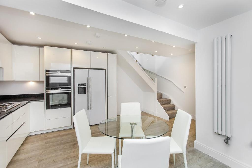 2 Bedrooms Flat for sale in Haverstock Hill, Belsize Park