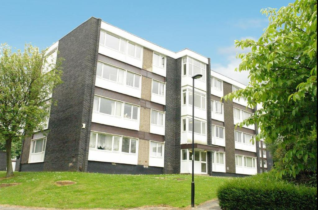 2 Bedrooms Flat for sale in St Just Place, Newcastle Upon Tyne