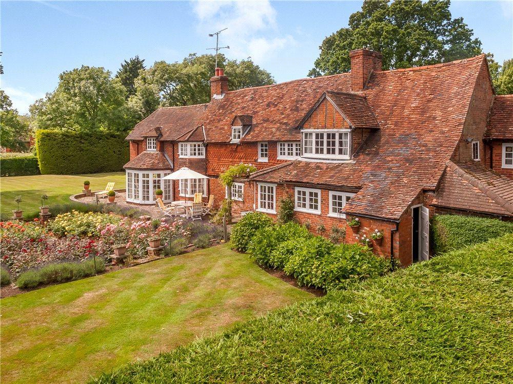 4 Bedrooms Detached House for sale in Monks Alley, Binfield, Bracknell, Berkshire, RG42
