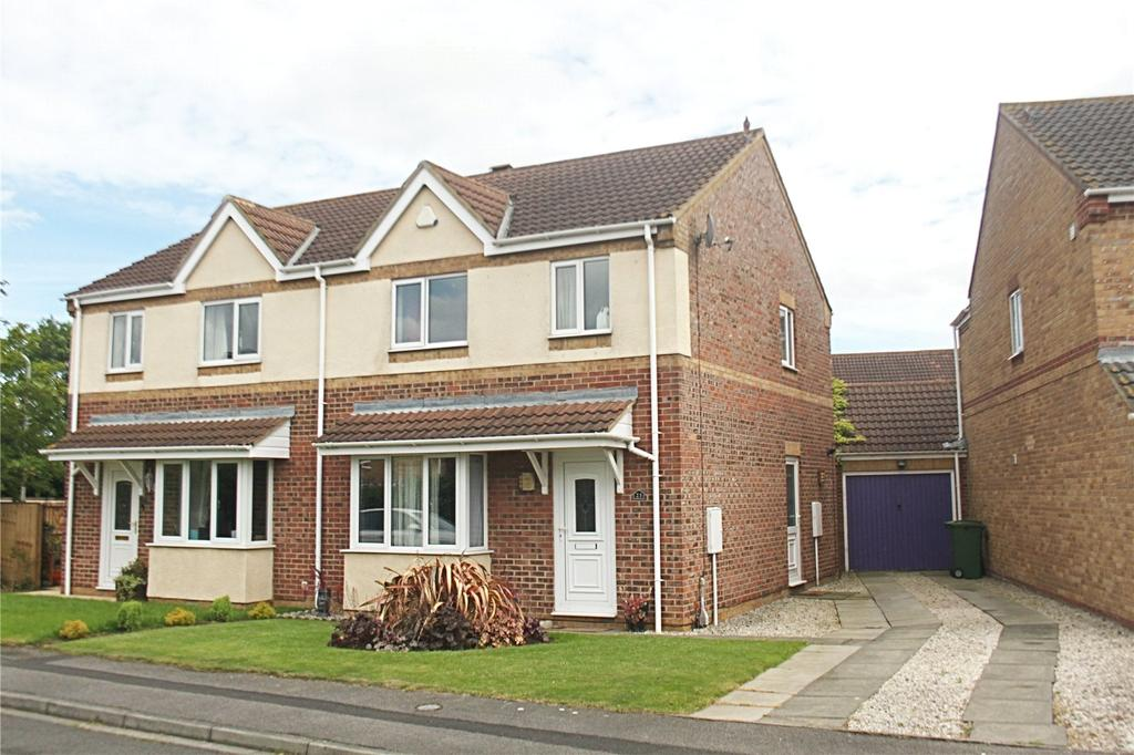 3 Bedrooms Semi Detached House for sale in Mastiles Close, Ingleby Barwick