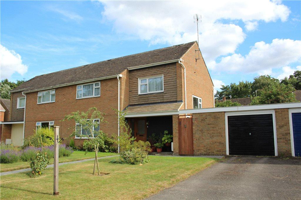 4 Bedrooms Semi Detached House for sale in Davies Road, Moreton-in-Marsh, Gloucestershire, GL56