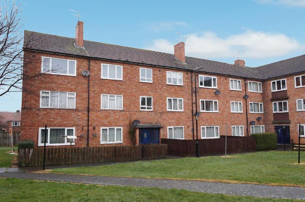 2 Bedrooms Flat for sale in Whalton Court, Whalton Avenue, Gosforth, Newcastle Upon Tyne