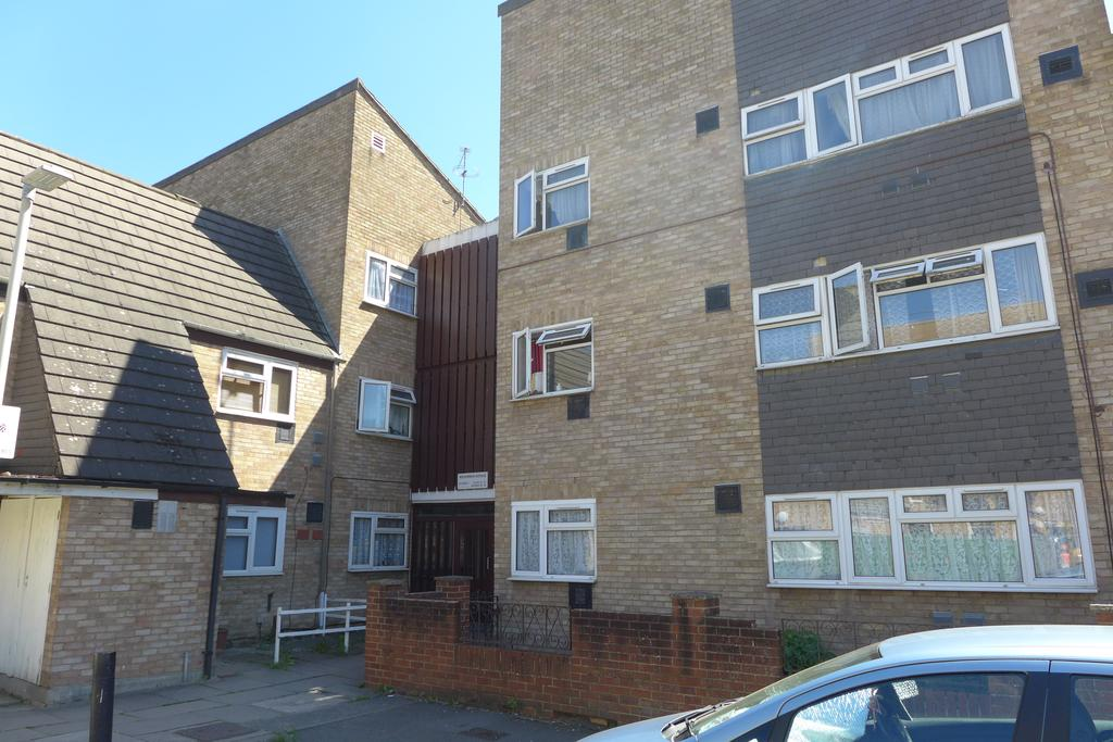 1 Bedroom Flat for sale in Midsummer Avenue, Hounslow