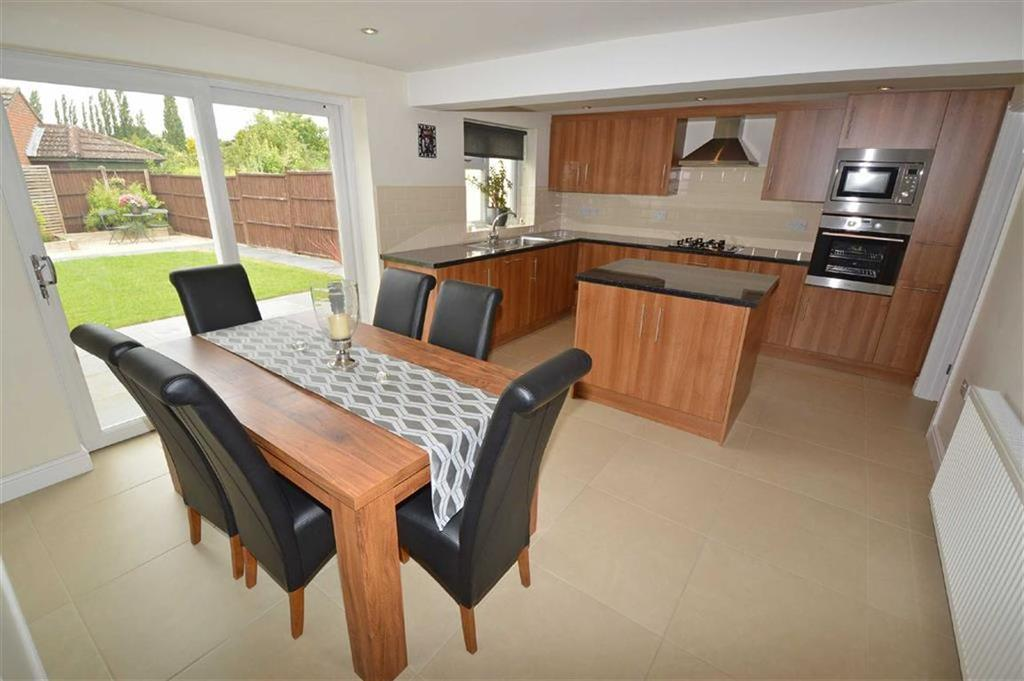 3 Bedrooms Detached Bungalow for sale in Martin Avenue, Kirby Muxloe