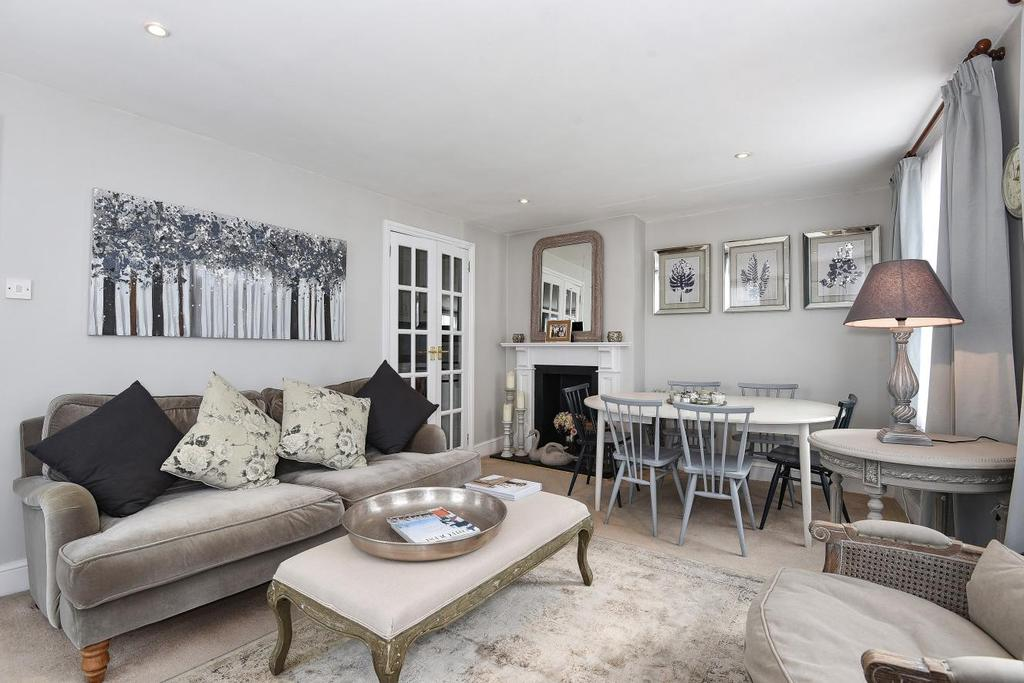 2 Bedrooms Flat for sale in Burnthwaite Road, Fulham