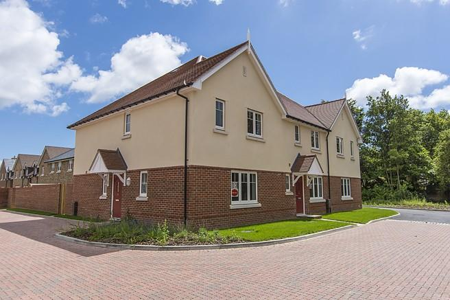 3 Bedrooms End Of Terrace House for sale in Fox's Furlong, Yapton Road, Barnham, PO22