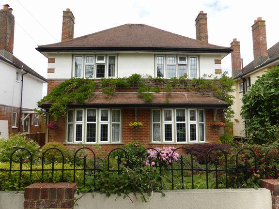 3 Bedrooms Detached House for sale in Southbourne Bournemouth