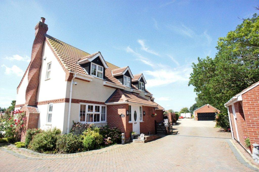 3 Bedrooms Detached House for sale in London Road, Gisleham