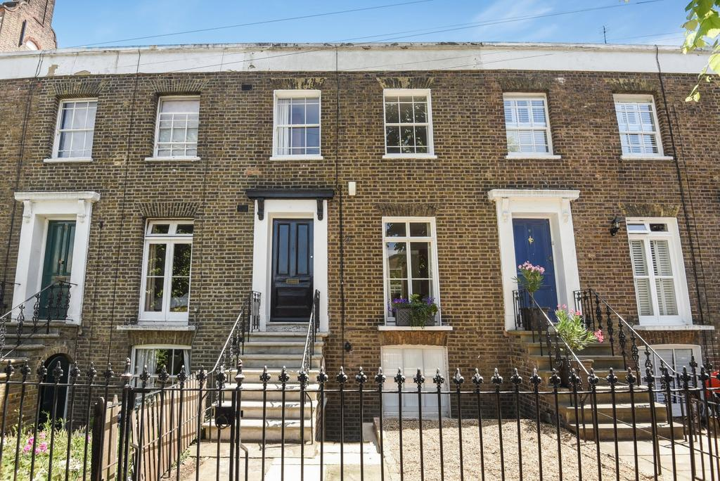 3 Bedrooms Terraced House for sale in Catherine Grove London SE10
