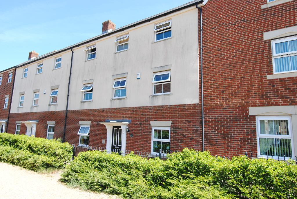 4 Bedrooms Terraced House for sale in Archers Way, Amesbury, Salisbury SP4