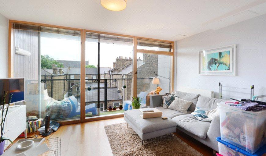 1 Bedroom Flat for sale in Garland Court, 26 Wansey Street, London, SE17