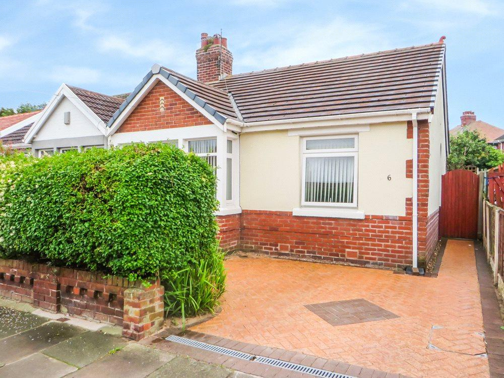 2 Bedrooms Semi Detached Bungalow for sale in Codale Avenue, Bispham, Blackpool