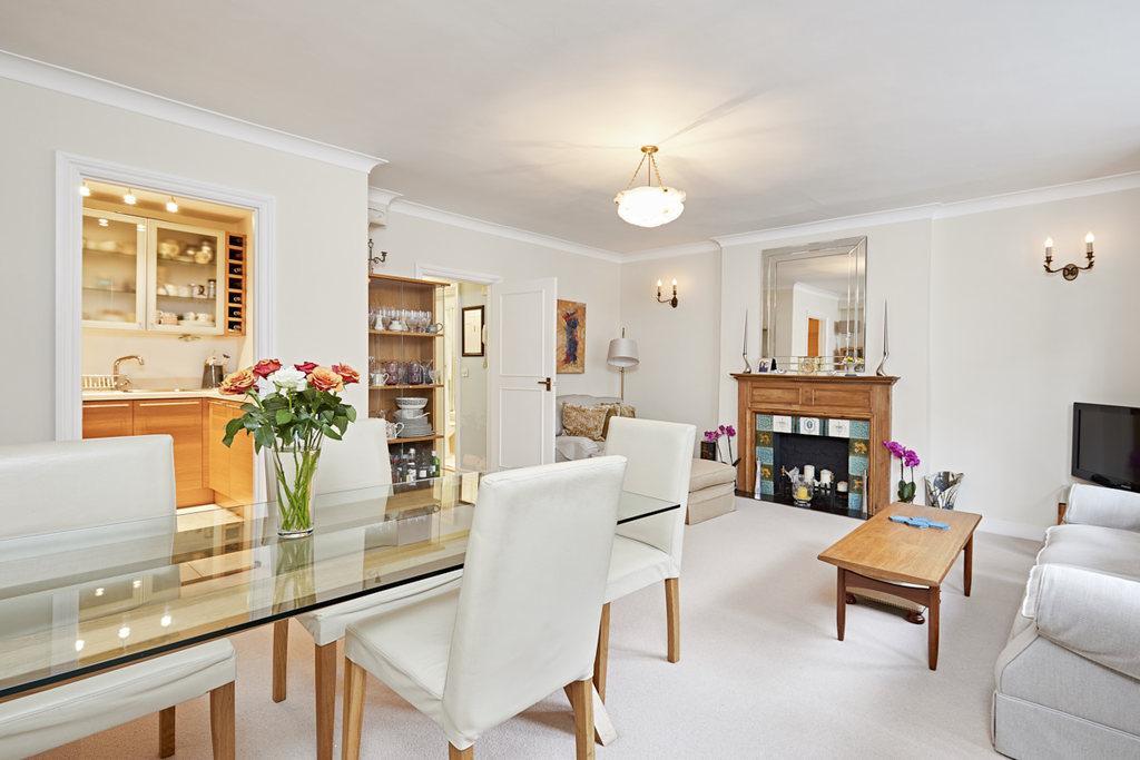 2 Bedrooms Flat for sale in Fielding Road, London, W14
