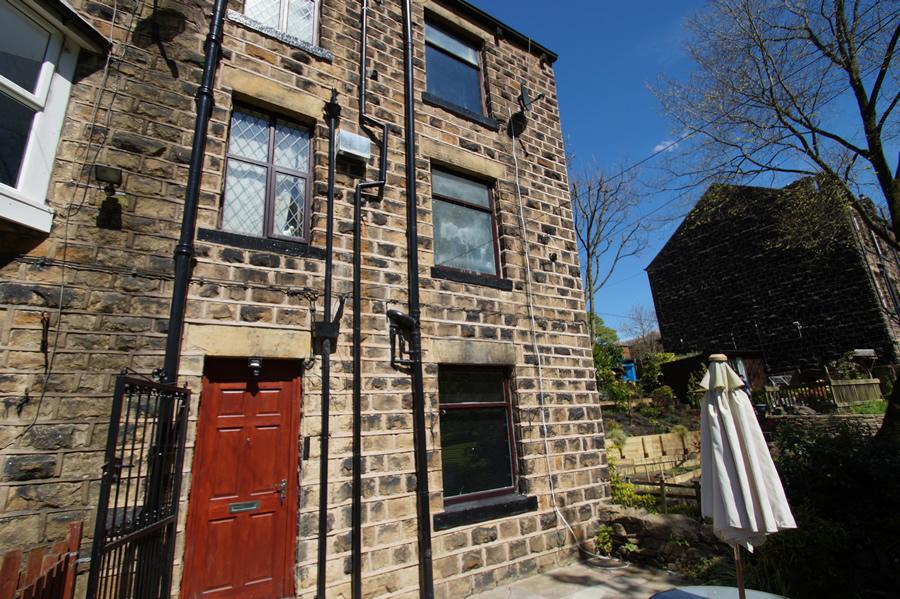 1 Bedroom Terraced House for sale in Dobcross OL3
