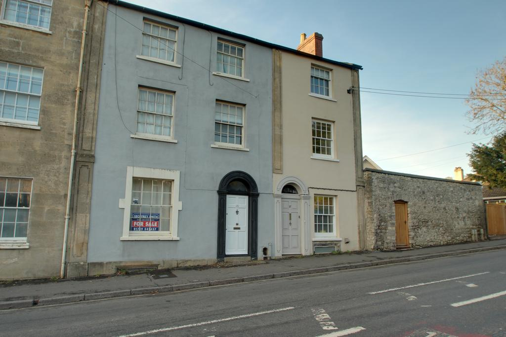 4 Bedrooms Town House for sale in SHEPTON MALLET