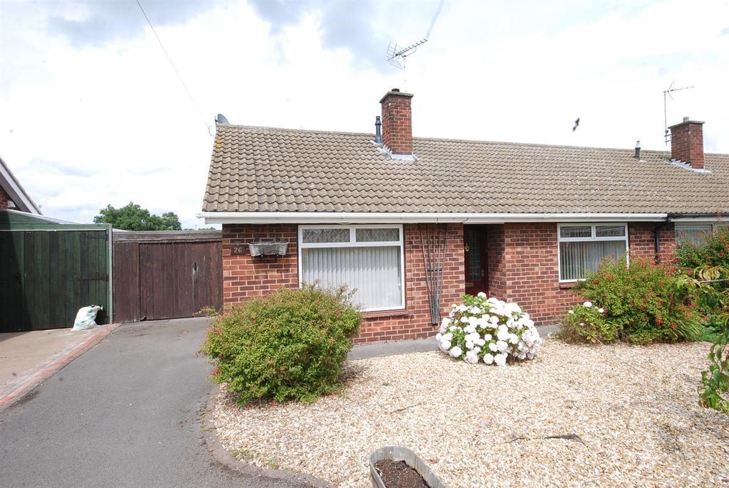 3 Bedrooms Semi Detached Bungalow for sale in St. Catherines Close, Newark