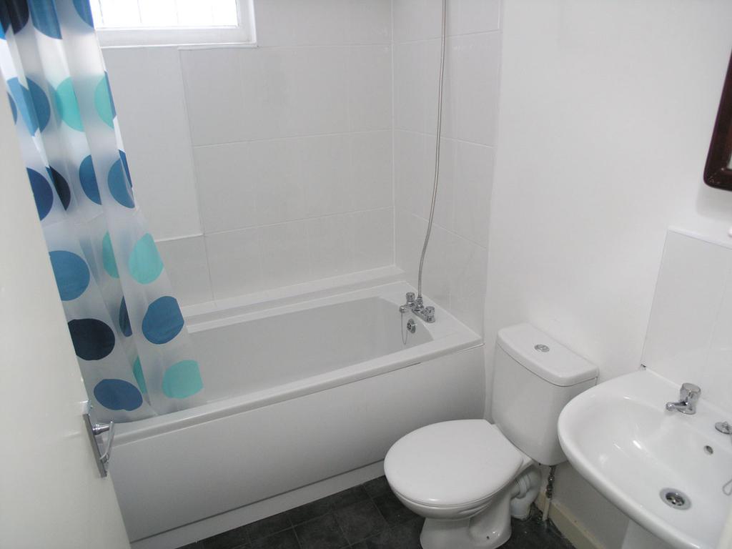 1 Bedroom Flat for sale in Fenton Street, Brierley Hill, DY5