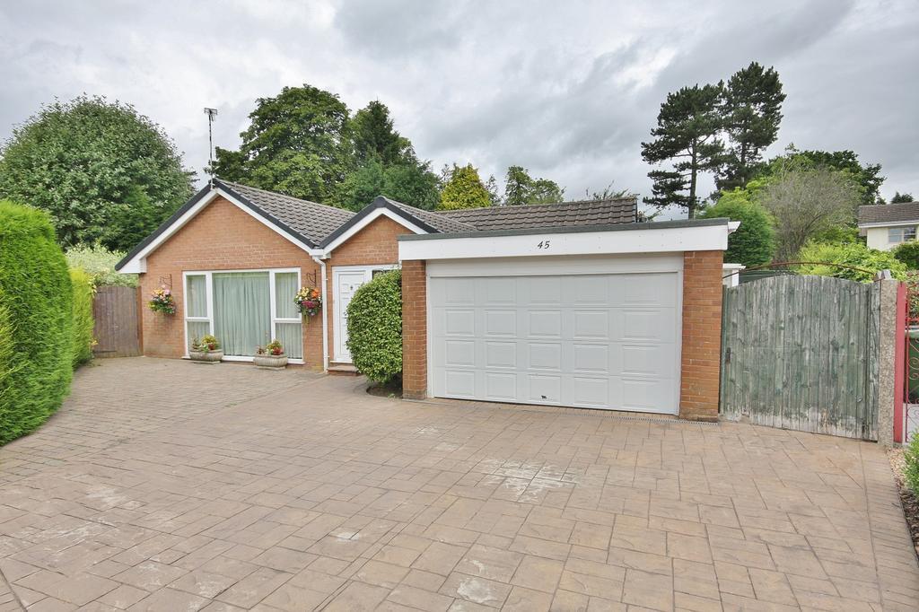 2 Bedrooms Detached Bungalow for sale in Ashford Road, Wilmslow