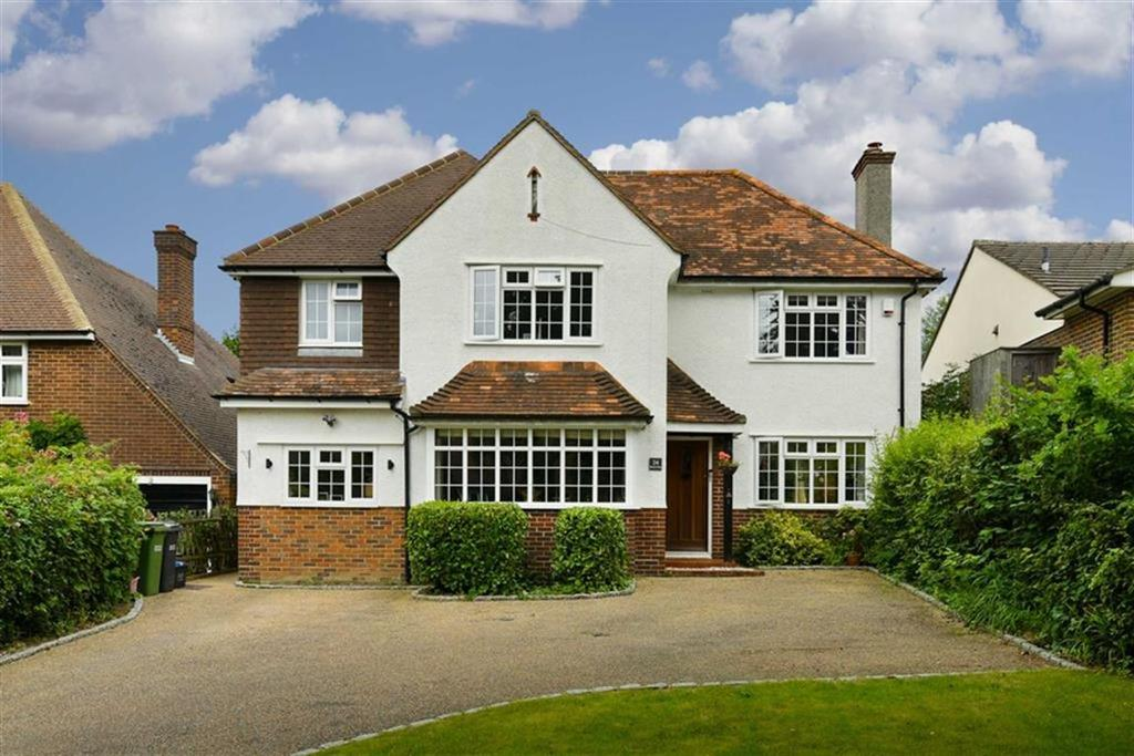 4 Bedrooms Detached House for sale in Beacon Way, Banstead, Surrey