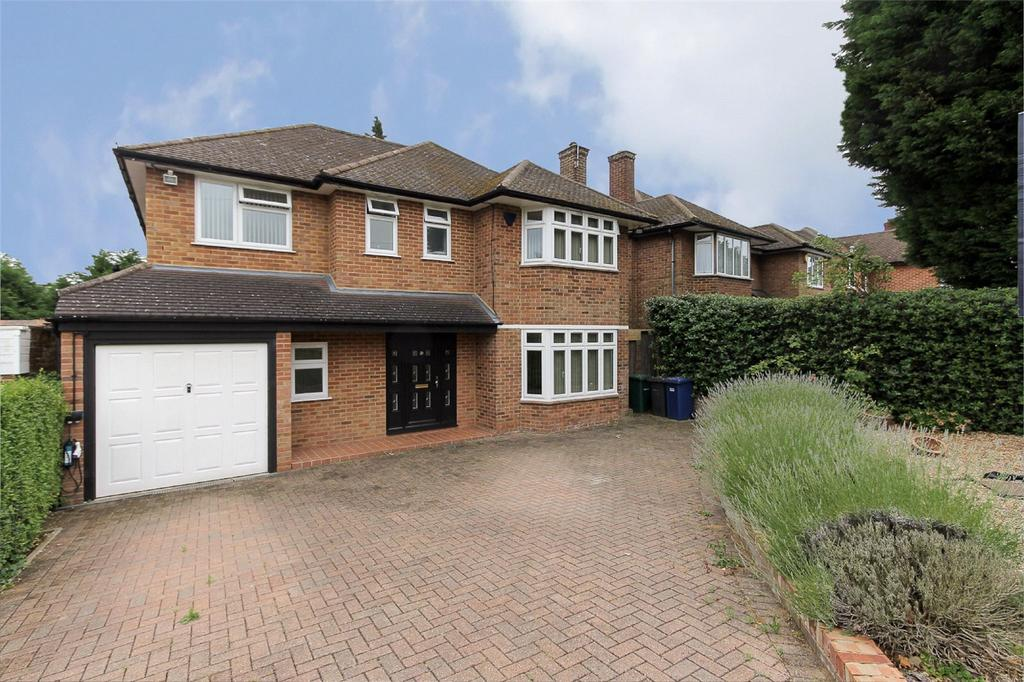 5 Bedrooms Detached House for sale in Wolmer Gardens, Edgware, HA8