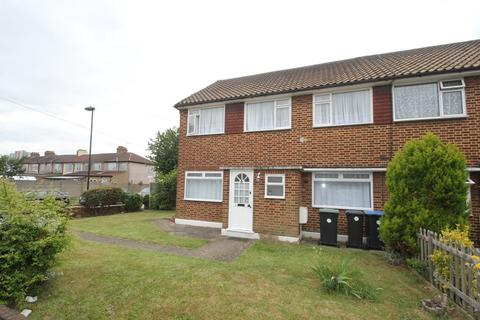 2 bedroom maisonette to rent - Eagle Close, Enfield, EN3