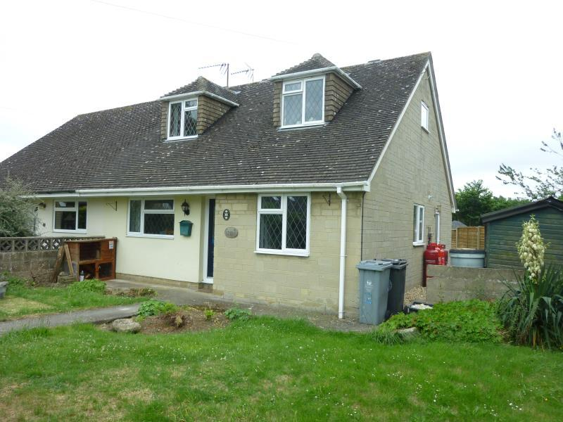 4 Bedrooms Semi Detached House for sale in Busbys Close, Clanfield, Oxon