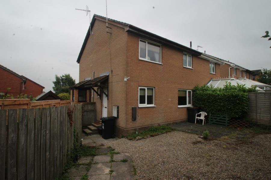 1 Bedroom Semi Detached House for sale in BUTTERBUR WAY, HARROGATE, HG3 2XH