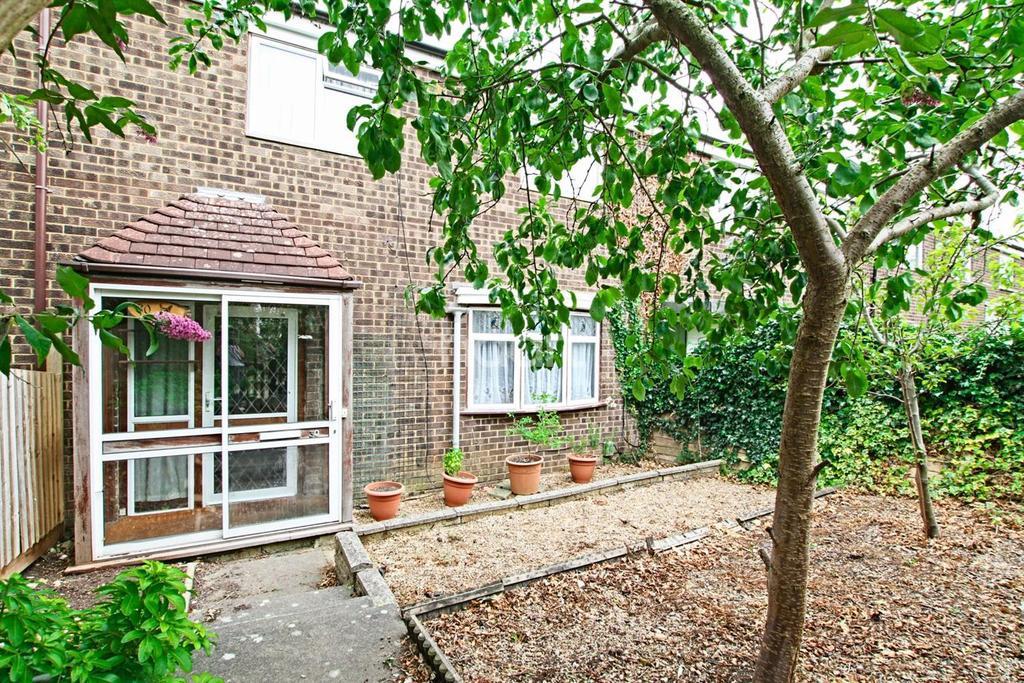 3 Bedrooms Terraced House for sale in Jessop Road, Pin Green, Stevenage