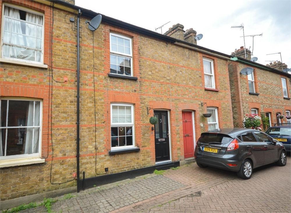 2 Bedrooms Terraced House for sale in Sidney Terrace, BISHOP'S STORTFORD, Hertfordshire