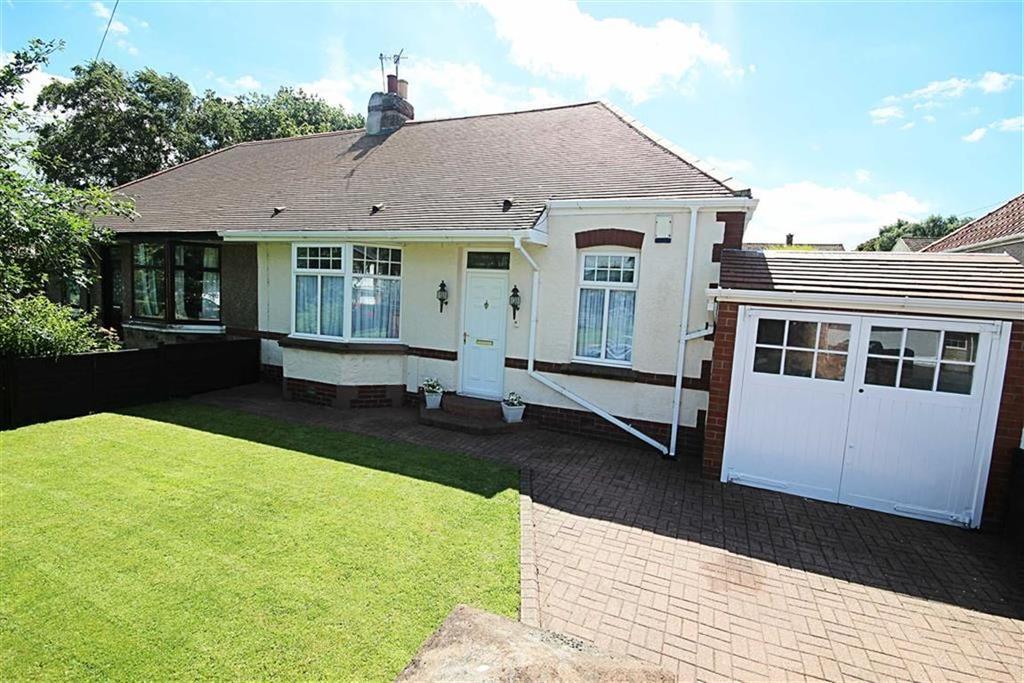 4 Bedrooms Semi Detached Bungalow for sale in Grange Road, Heworth, Gateshead