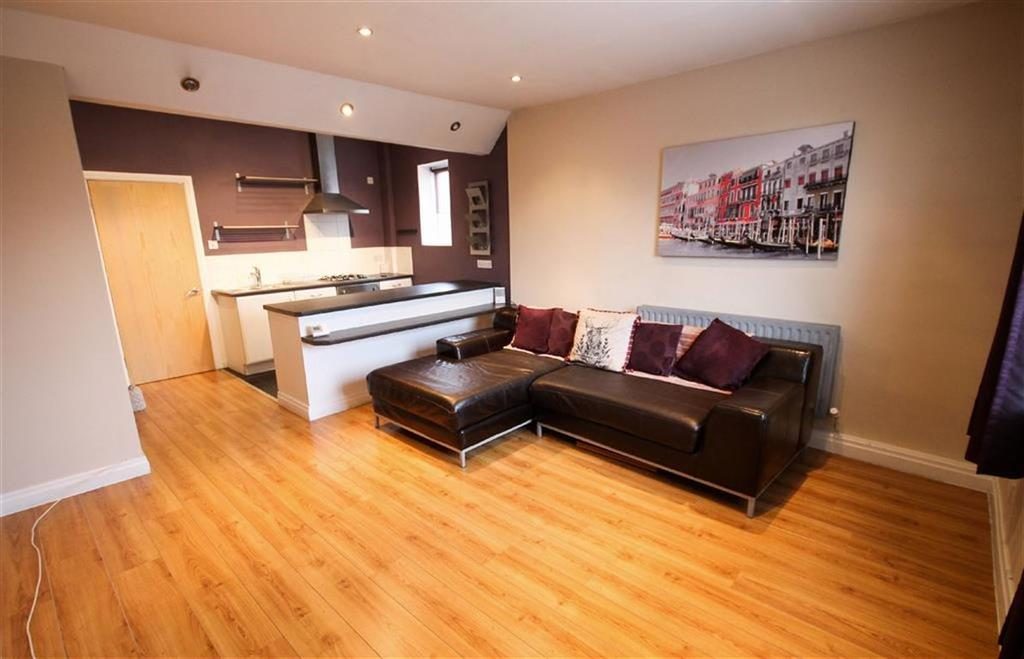 2 Bedrooms Flat for sale in Gorton Road, Reddish, Stockport