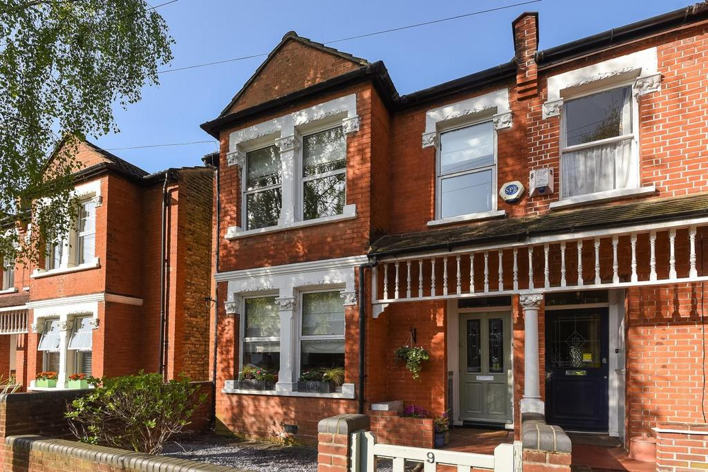 3 Bedrooms Terraced House for sale in Amesbury Road, Bromley