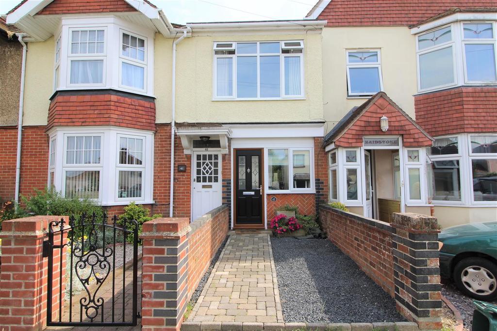 1 Bedroom House for sale in Pole Barn Lane, Frinton-On-Sea