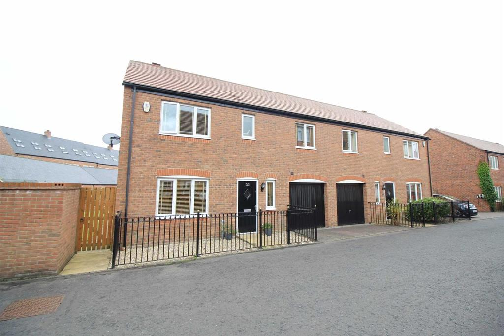 4 Bedrooms Detached House for rent in Blenkinsop Mews, Great Park, Newcastle Upon Tyne