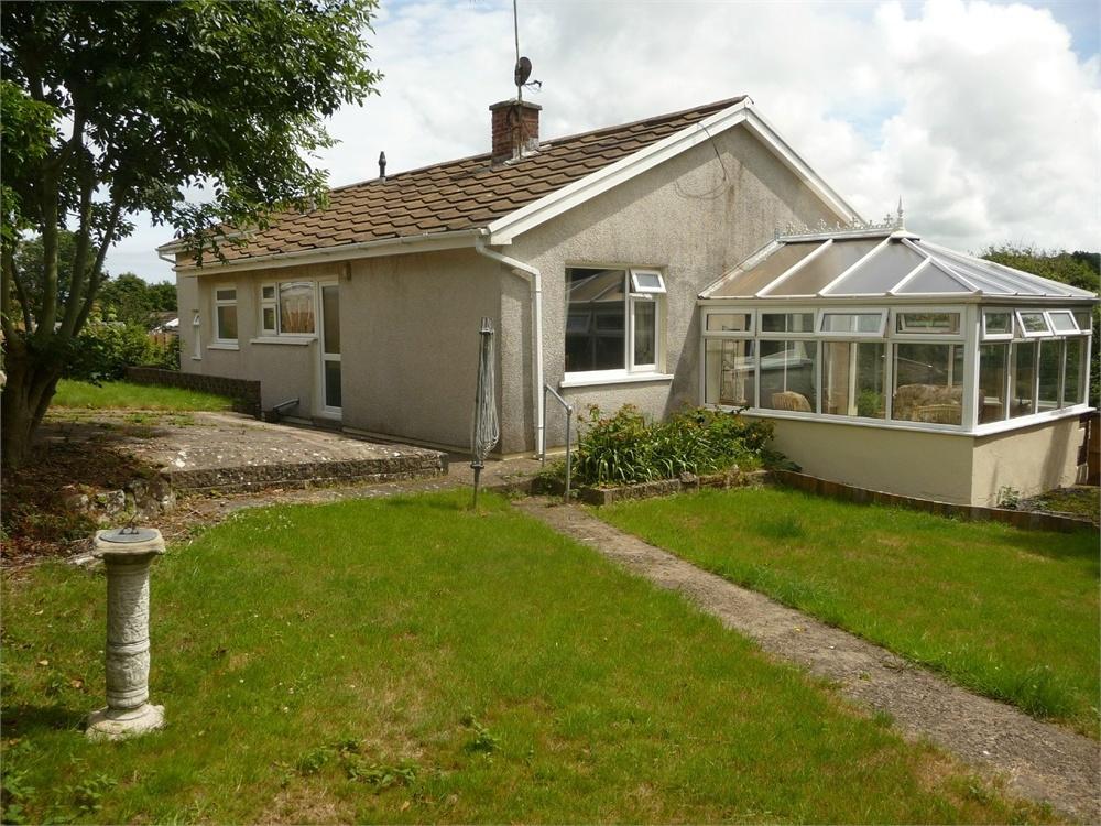 4 Bedrooms Detached Bungalow for sale in Cyncoed, 7 Llys Owen, Dyffryn, Goodwick, Pembrokeshire