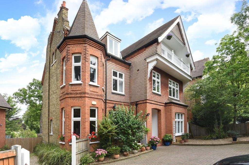 3 Bedrooms Flat for sale in Church Road Shortlands BR2